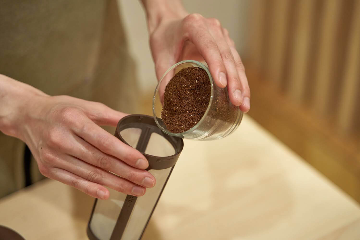 コーヒー粉投入